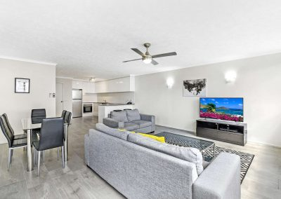 2-Bedroom-Broadbeach-Inn-4