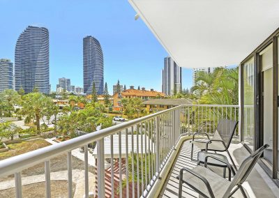 2-Bedroom-Broadbeach-Inn-8
